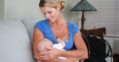 Breastfeeding and Pumping at the Same Time